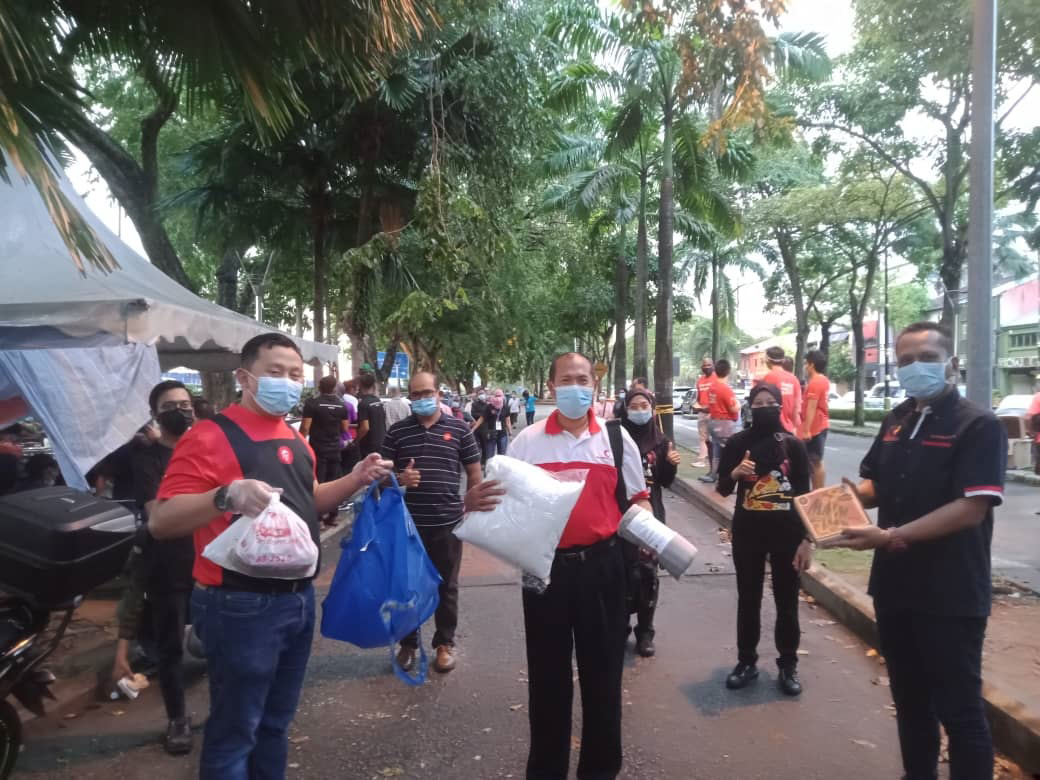 NGO Alliance Refutes Claims of Food Shortage for Homeless in Johor Bahru