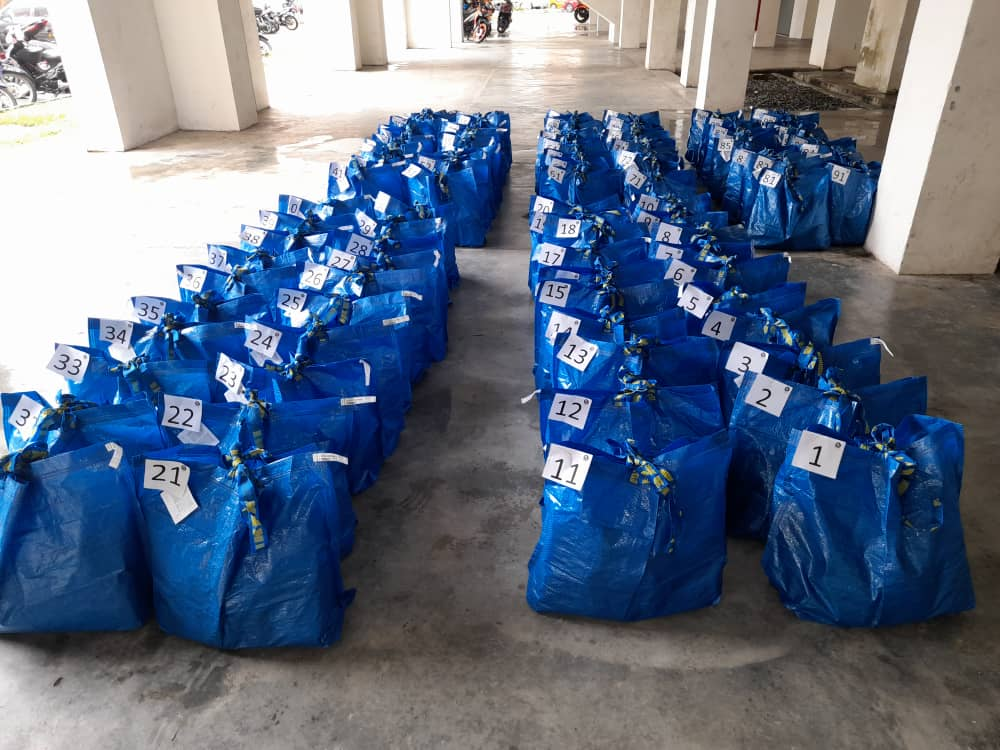 100 Underprivileged Families Receive Food Aid
