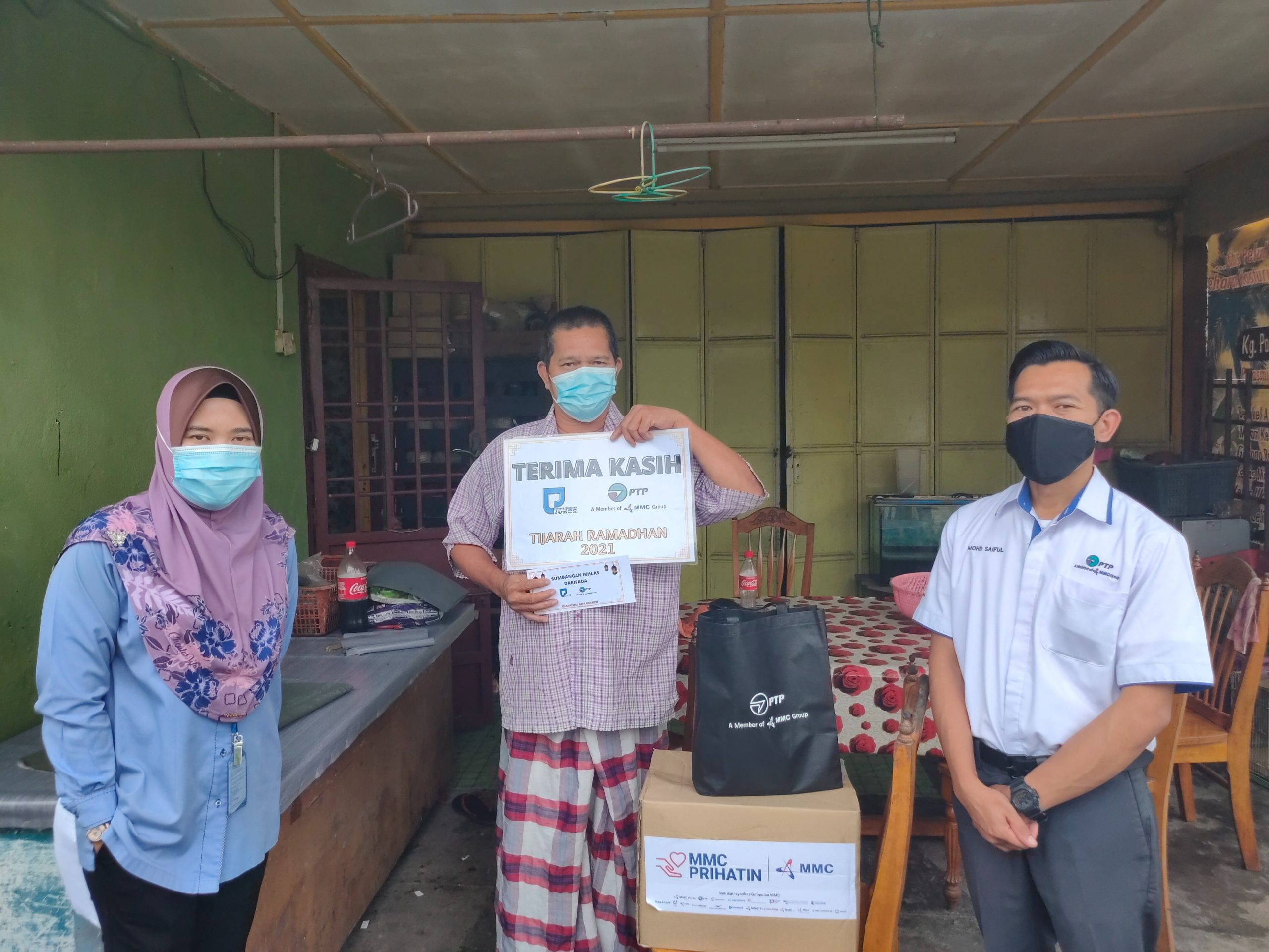 Gelang Patah Community Affected By COVID-19 Crisis Recieves Aid