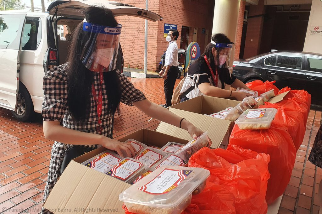 205 Donors Contributed 600 Sets of Special Bento Packs to the Frontliners
